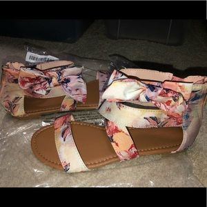 Cute pink floral sandals w
